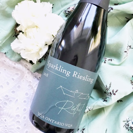 Redtail Vineyards 2018 Sparkling Riesling Wine Ontario Review